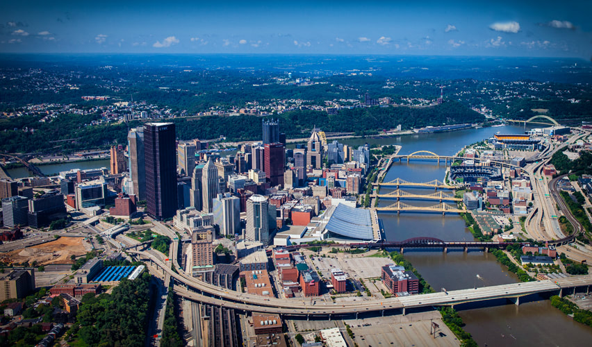 Aerial photograph of downtown Pittsburgh, Pennsylvania